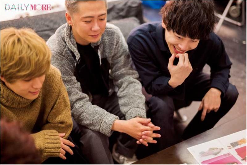 大人気グループ【Da-iCE】の5人が本気でジャッジ♡ 冬のデート服、男子はどれが好き?(ワンピース編)_2