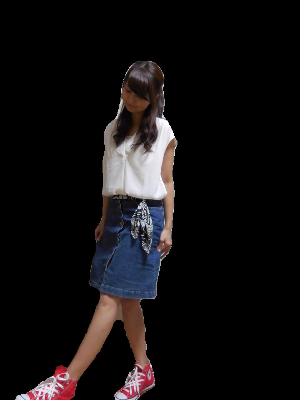 MORE8月号掲載‼️着回し力抜群✨Flower Daysのフロントボタンデニムスカート♡_2