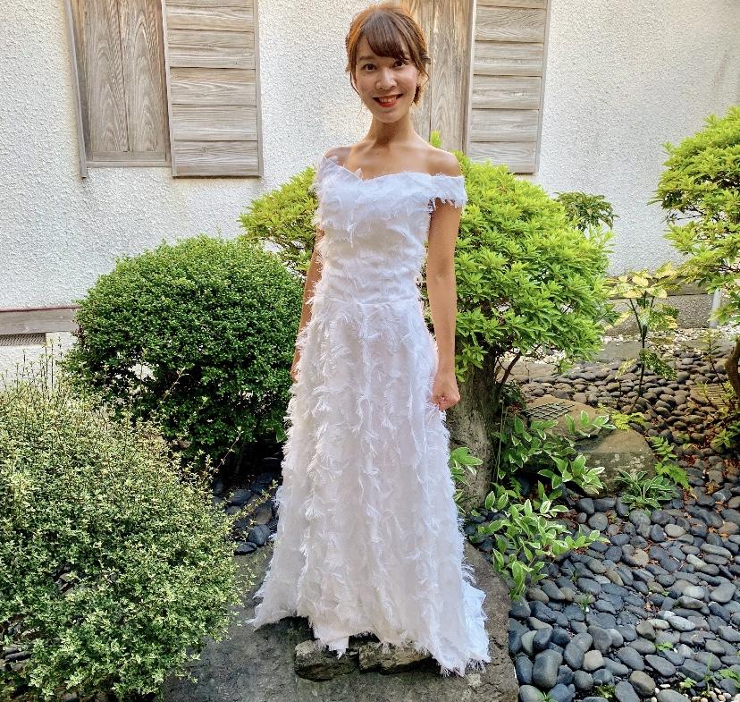 卒花さんに聞く【ドレス特集】-  結婚式・二次会におすすめ! プレ花嫁さんに人気のおしゃれなウェディングドレスは?_15