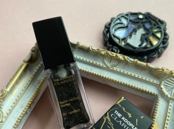 《新発売!クラランス》唇の水分量で色が変わるリップオイル♡【デパコス】
