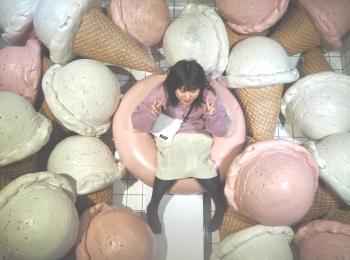 《台湾女子旅》新幹線で台中へ!アイスクリームに溺れるカフェ『I'm talato』