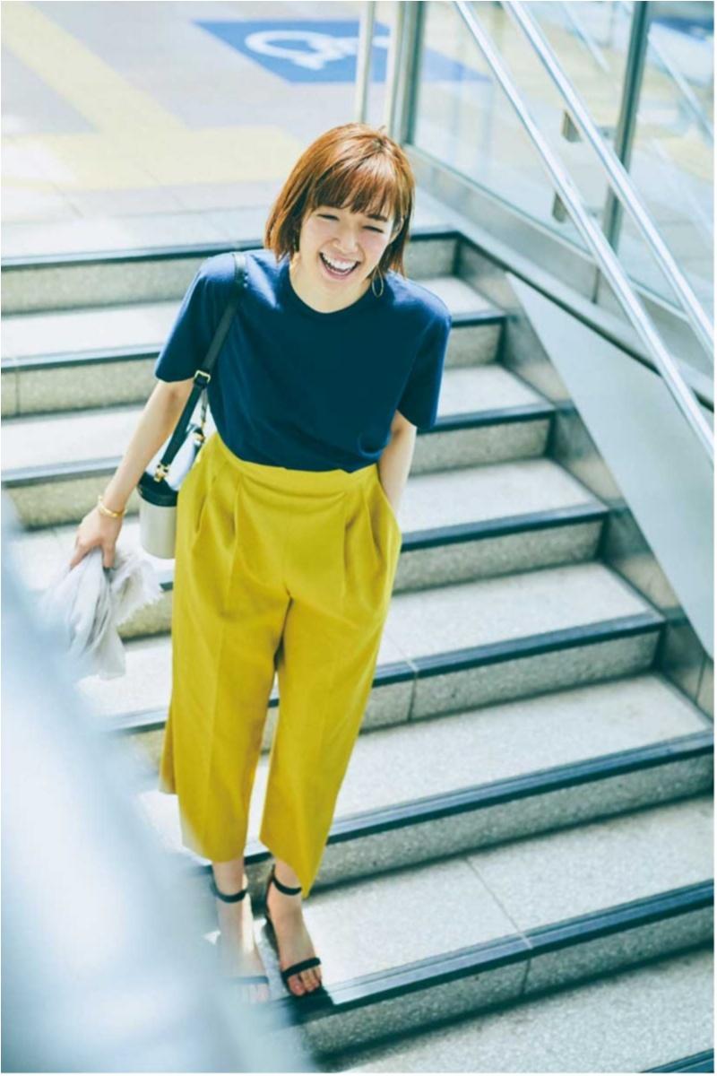 着るだけで華やぐ【真夏のきれい色ボトム】コーデ15選   ファッション_1_5