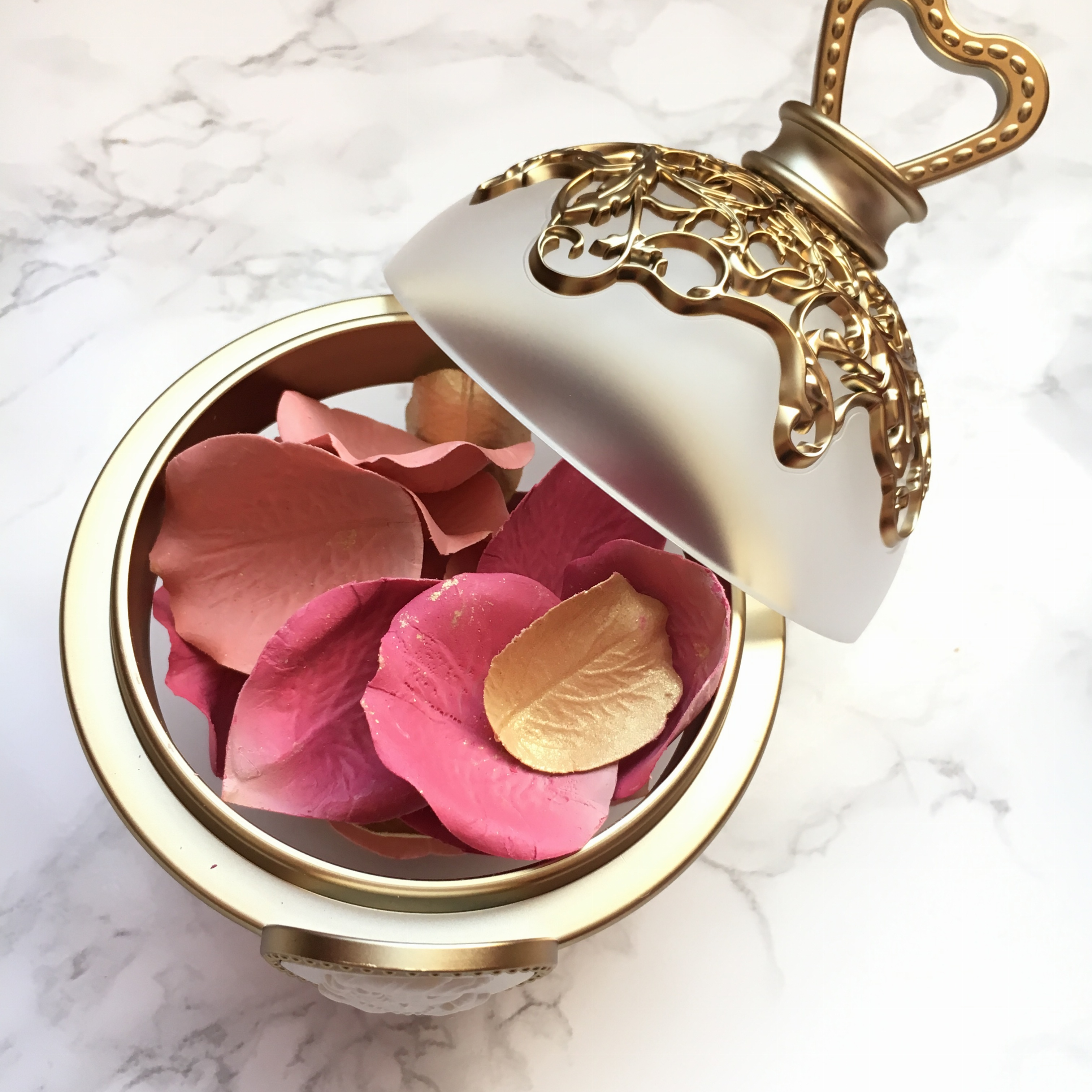3色ローズが #インスタ映え♡『ラデュレ』の新作花びらチークをライターゆうりがお試し_2_5