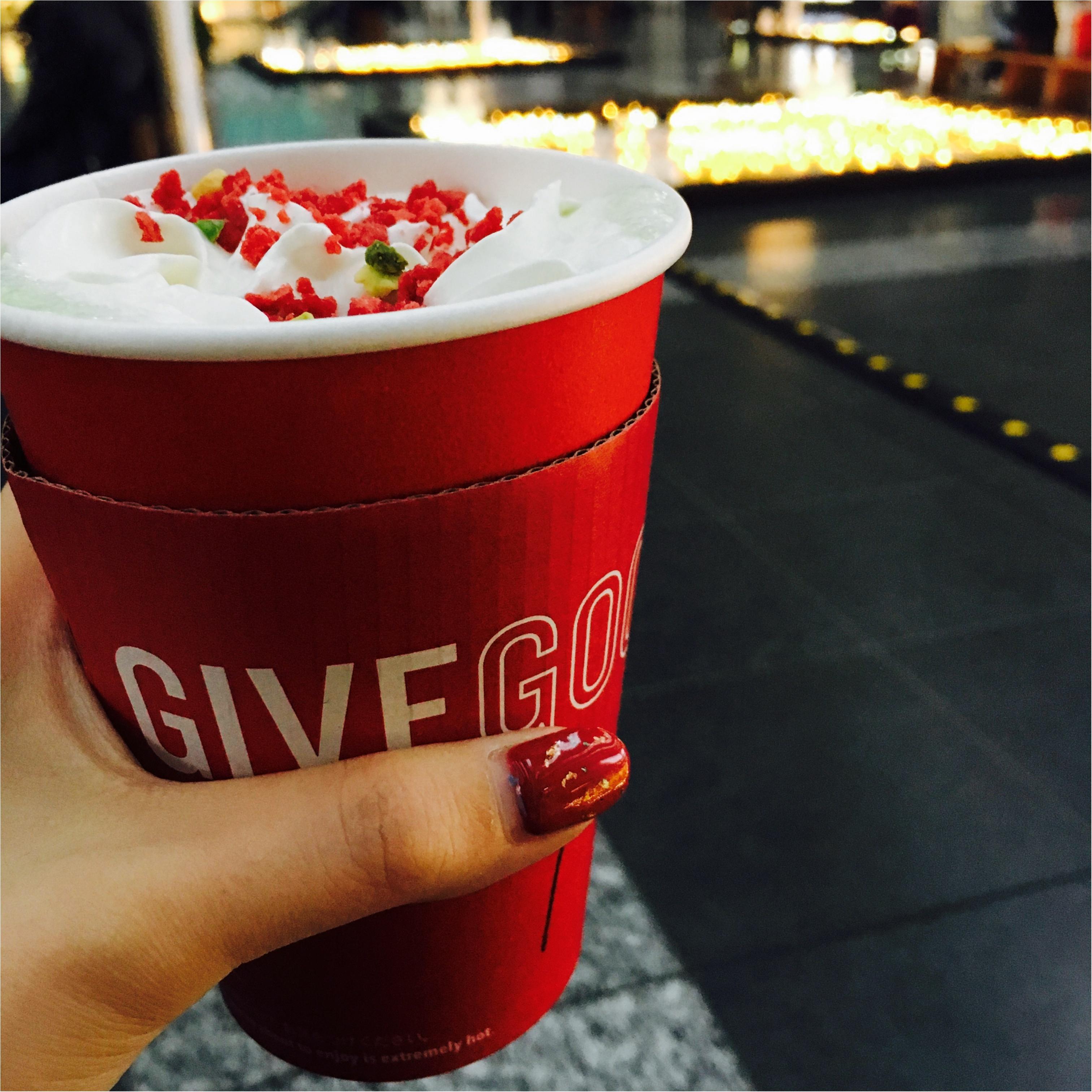 【スタバ】の新作≪キャンディピスタチオ≫がクリスマスカラーでかわいすぎる!!_1