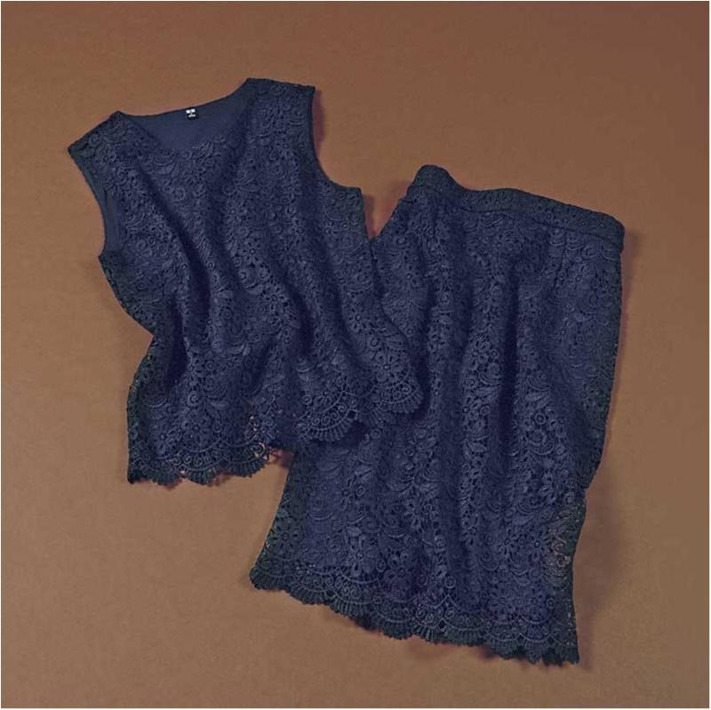 ユニクロのレースブラウスとタイトスカート
