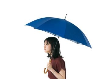 【今日のコーデ】雨の日はギンガムチェックで可愛く楽しく♪ 傘もきれい色で気分を上げて!