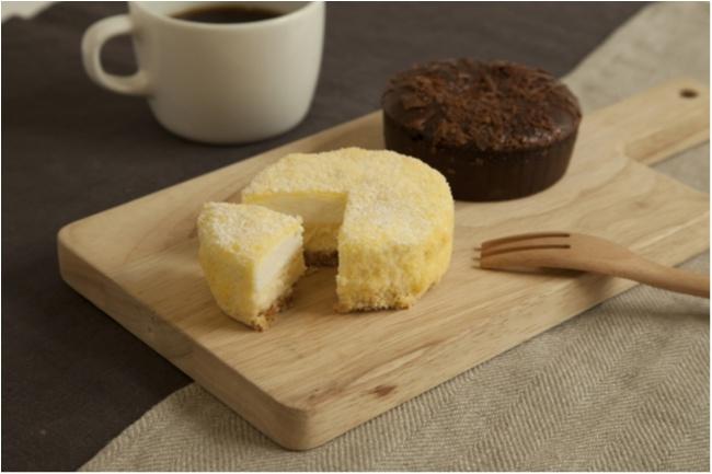『無印良品』の15店舗限定チルドスイーツって知ってる!? 「2層仕立てのチーズケーキ」と「ガトーショコラ」に大注目!_1