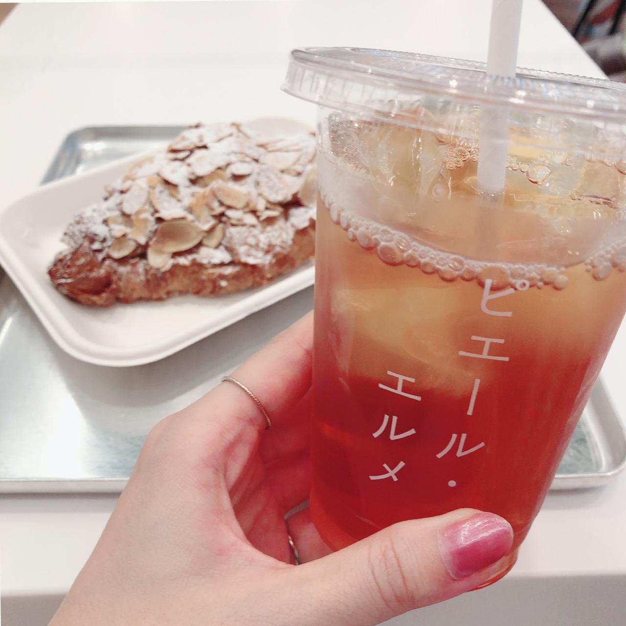 """<東京・丸の内>カタカナの""""ピエール・エルメ""""ロゴがフォトジェニックなカフェに行ってきました!♡_4"""