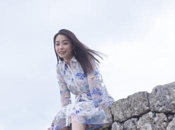 宇垣美里さん初のフォトエッセイ『風をたべる』をチェック♡ 今、最も気になるモア世代女子の全てがここに!【4/16発売】