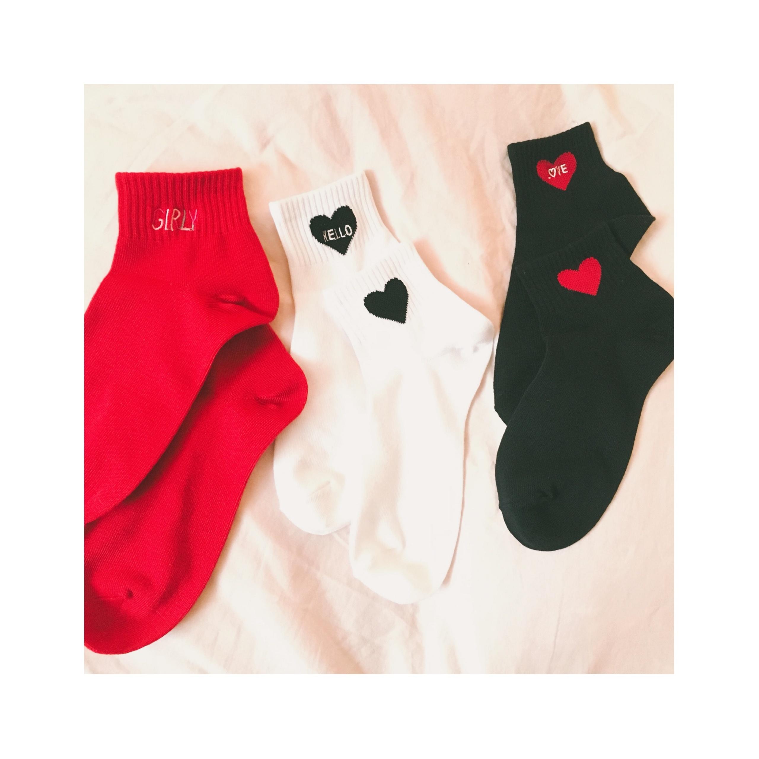 《ソックスコーデが増えるこれからのシーズンにぴったり★》思わずイロチ買いした【DAISO】のALL ¥108靴下がかわいい❤️-スポーツmix編-_1