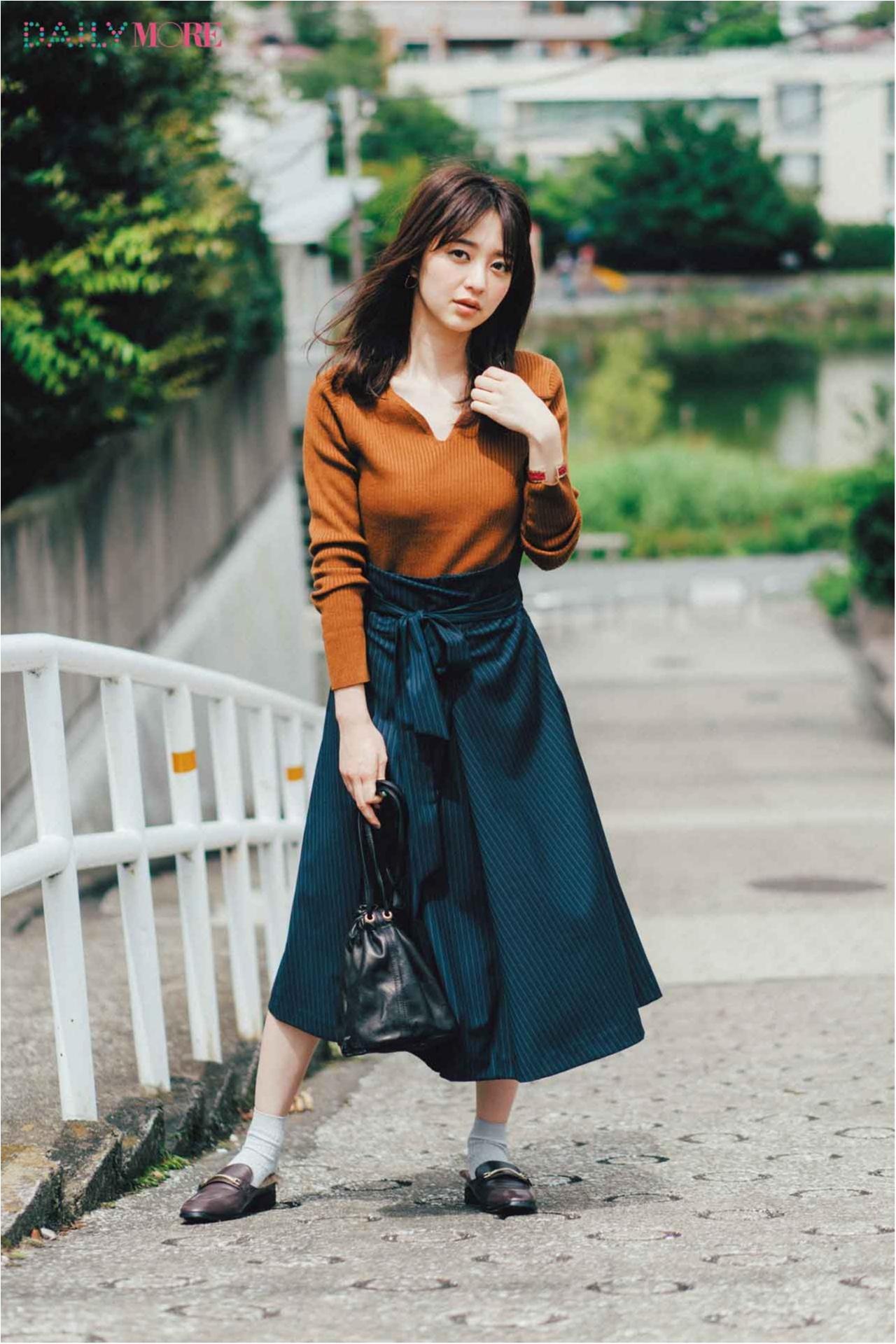 【今日のコーデ/逢沢りな】リブニットとストライプスカートの縦ライン効果で女らしくスタイルアップ!_1
