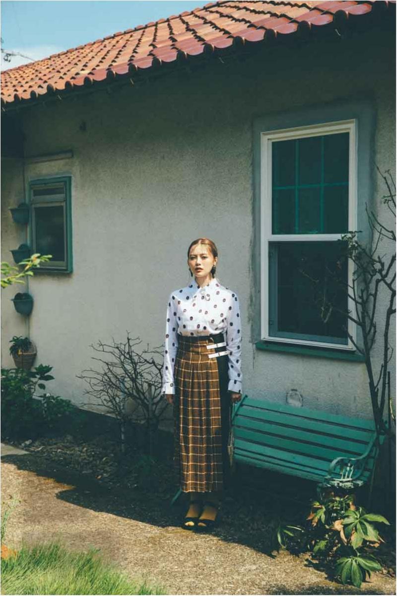 白石麻衣の秋のスカート