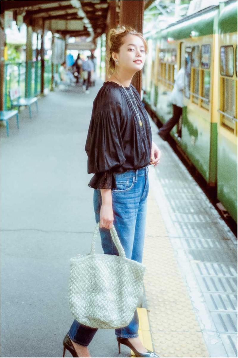 【今日のコーデ】お盆&夏休み明けの月曜は、女っぽさを盛ったデニムカジュアルで通勤!_1