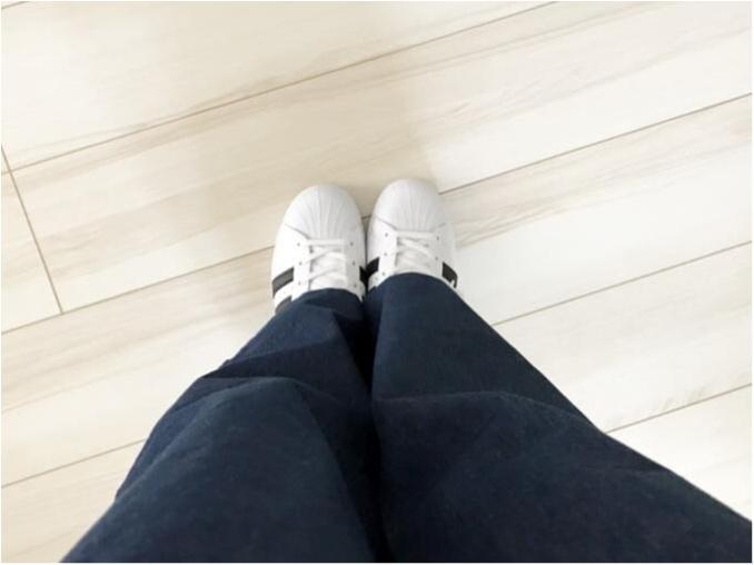 【やっぱり可愛い】アディダスの白スニーカー買いました_3