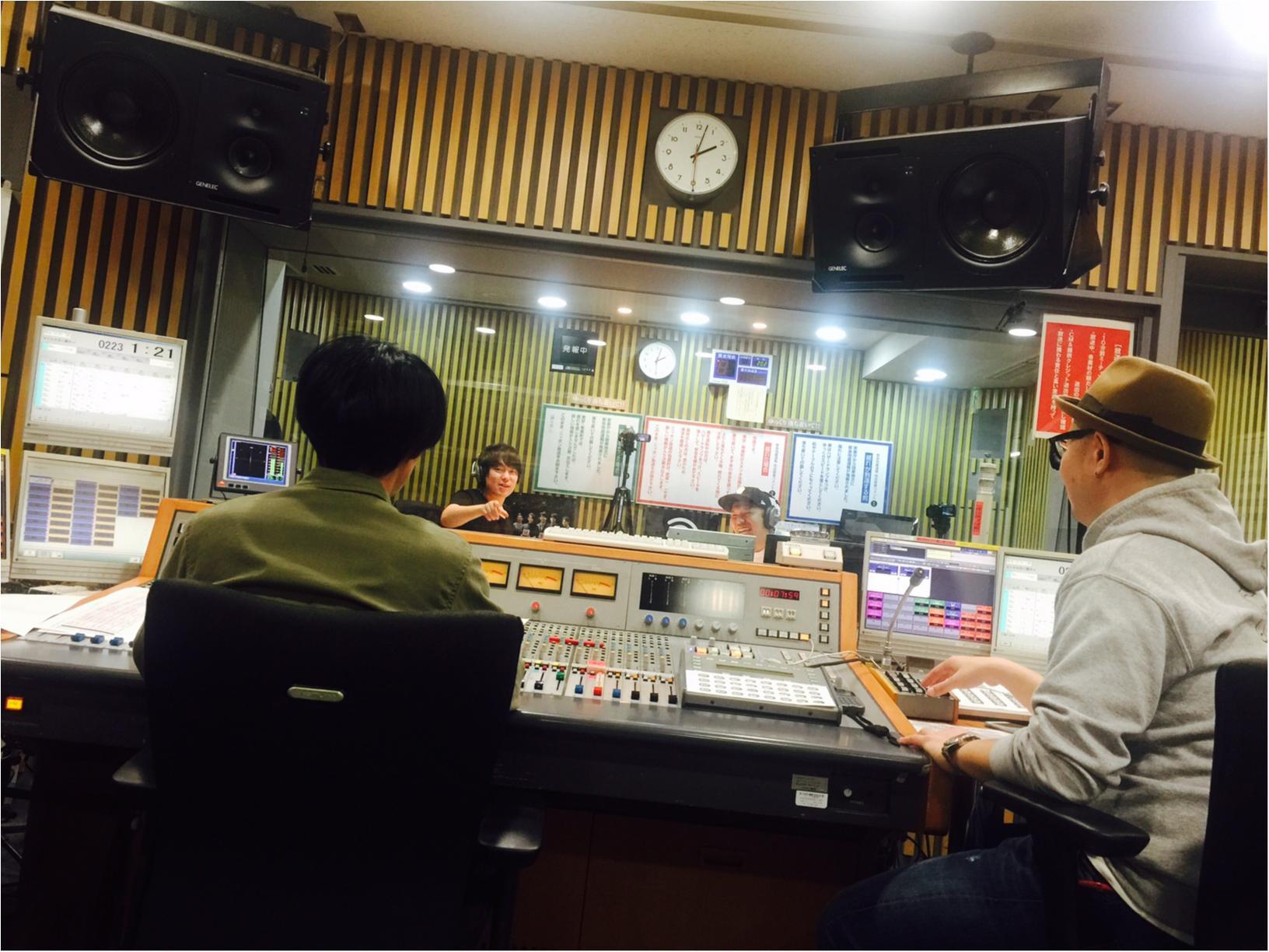 【ウラMORE】ウーマンラッシュ村本さんのラジオの裏側、突撃取材!_3