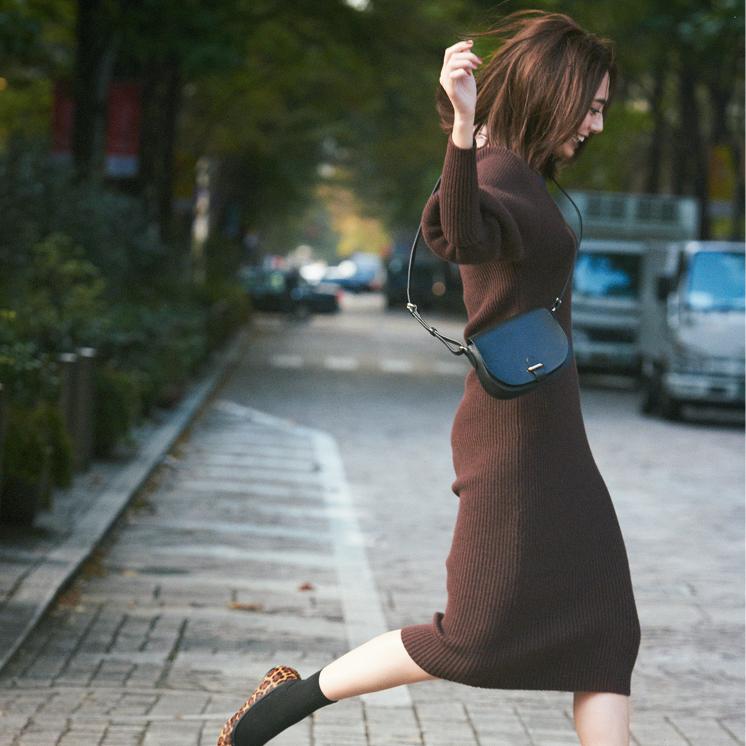 『シャネル』のバッグ、モテワンピ、時短コーデで年末を乗り切れ!【今週のファッション人気ランキング】_1_3