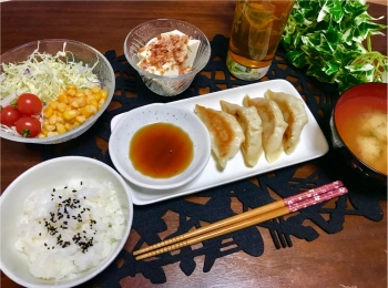 大人気料理ブロガー《みきママ》考案!肉汁がすごい【鶏ナンコツ塩餃子】を試食♡