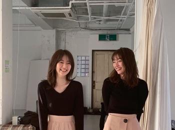 完全に双子コーデ! な内田理央と逢沢りな♡【MORE4月号 撮影のオフショット】