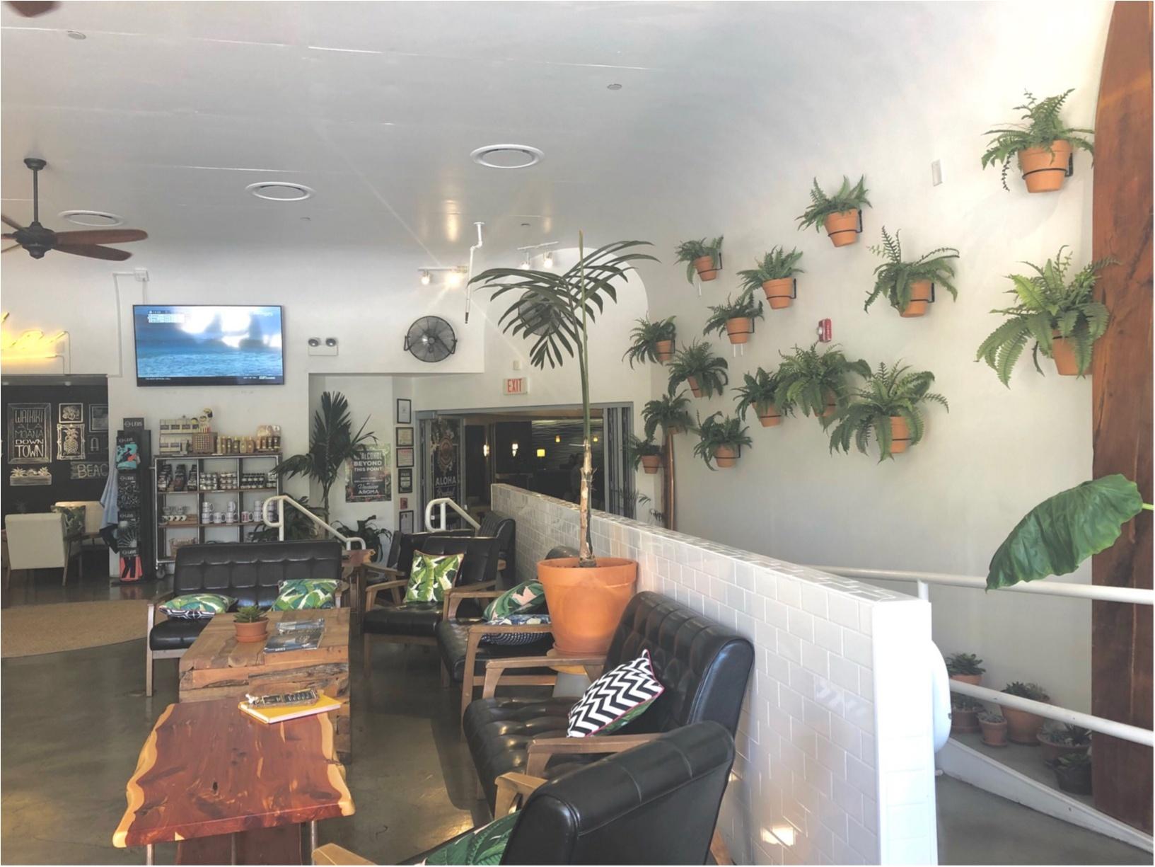 【Hawaii】おすすめ隠れ家カフェをご紹介します!!美味しいワッフルと内装が可愛いすぎる♡♡インスタ映えするフォトスペースも!?_5