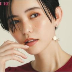 あこがれのモデル・比留川 游さんの「キレイのヒミツ」。メイクは、大人の赤を忍ばせるのが気分。