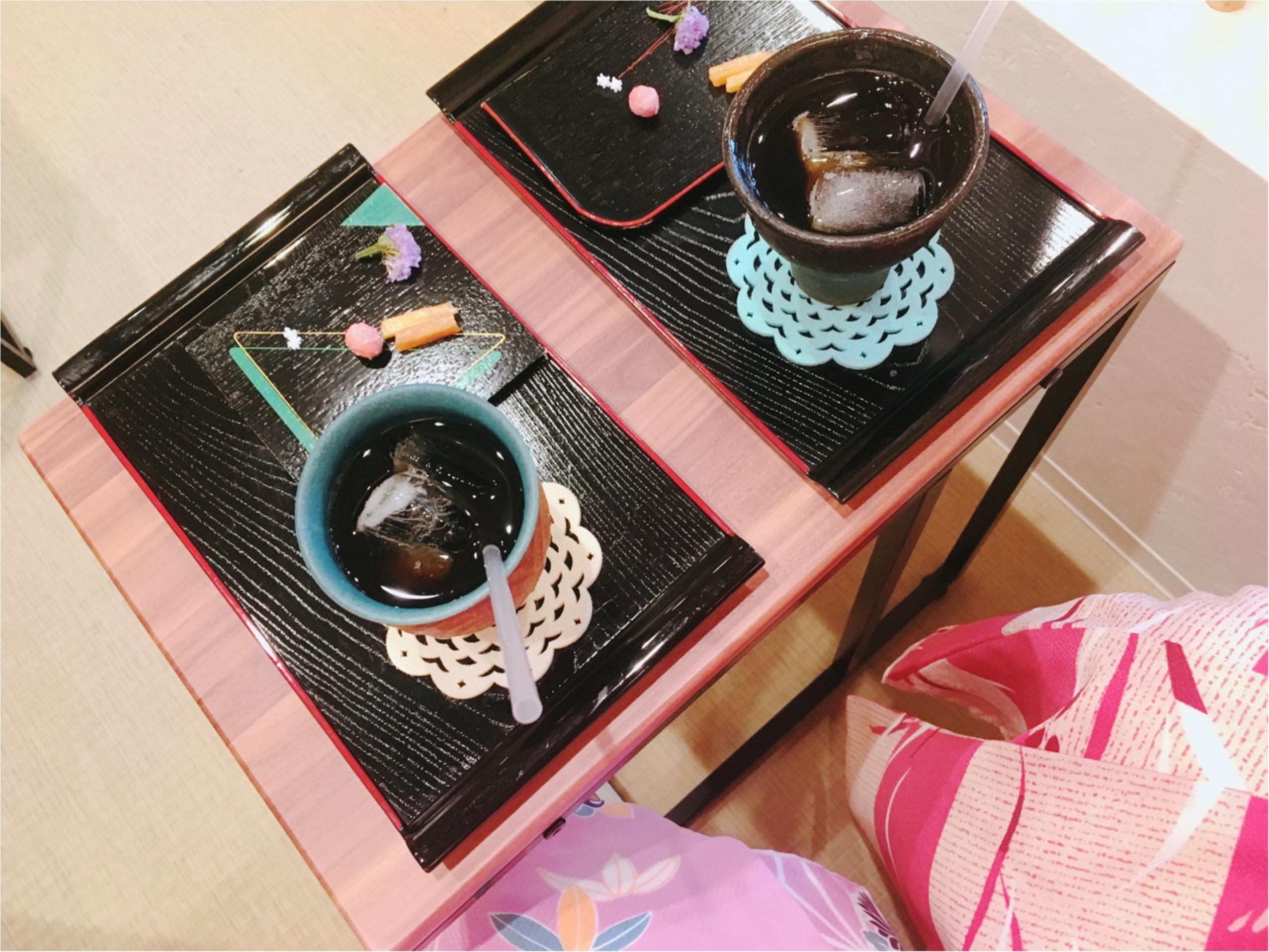 京都・嵐山のNEWスポット!カラフルでかわいい『お花の足湯』に癒されて_2