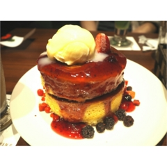 ◆愛媛発の大人気おしゃれカフェ◆ボリューミーでふわふわのホットケーキならフライングスコッツマン♡