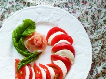 【日本一】の日照量と天然水で育ったヨダファームのトマトが新鮮・安全・美味しい!