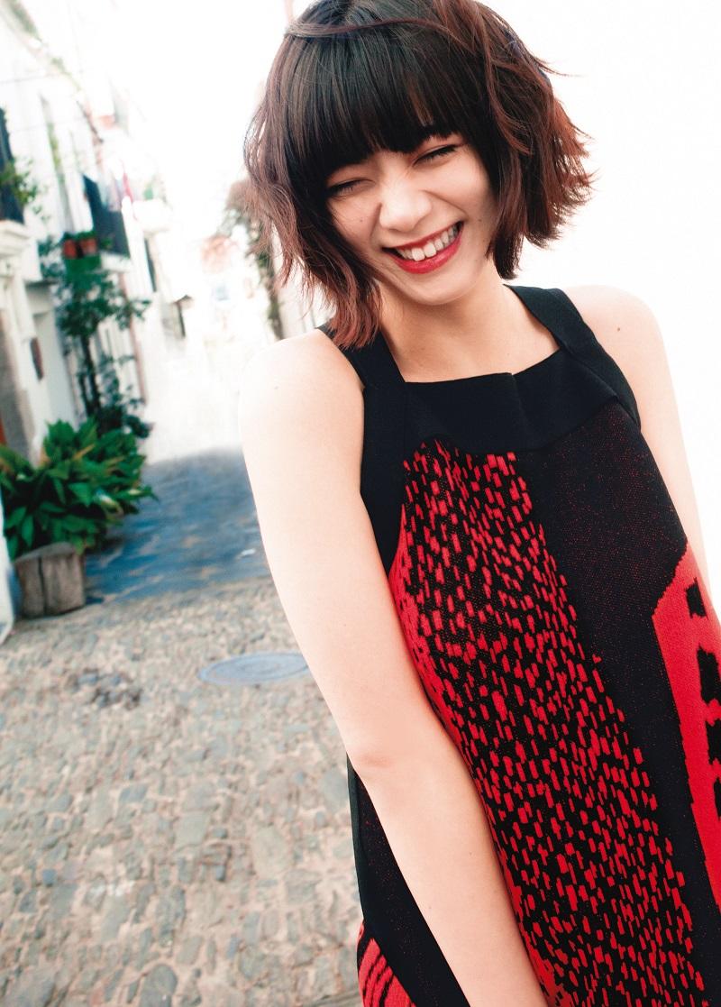 池田エライザさんの完璧なスタイルに惚れ惚れ♡ デビュー10周年記念1st写真集『pinturita』【5/31発売】 _2