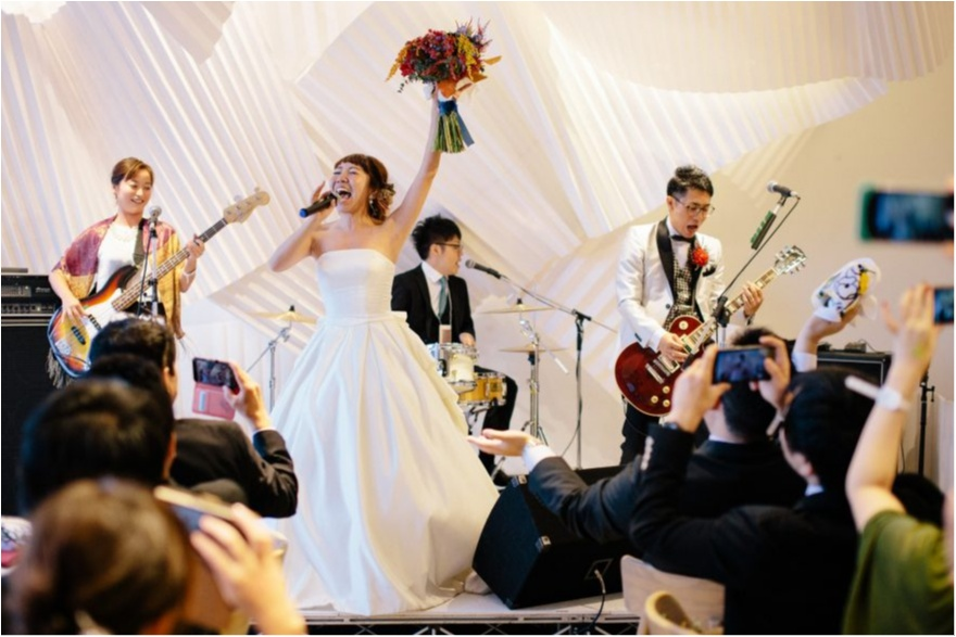 研究室にサッカー場!? 「世界にひとつだけ♡」のオリジナル結婚式が素敵すぎ!_22